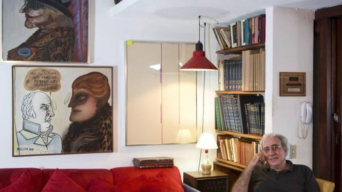 Herdeiro. Ivan Fernandes, no estúdio de Millôr: após a saída das obras, ele convidará amigos do pai para repartir a biblioteca deixada por ele Foto: Mônica Imbuzeiro