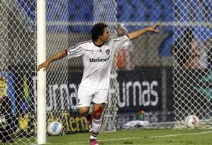 Wellington Nem comemora o gol do Fluminense Foto: Cezar Loureiro / O Globo
