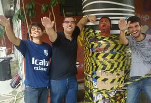 Estudantes de Direito fazem saudação nazista durante trote Foto: Reprodução internet