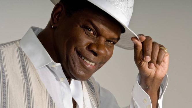 O cantor Emílio Santiago, que morreu no dia 20 de março, em foto de 2012 Foto: Dario Zalis / Divulgação