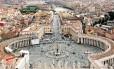 A colunata de São Pedro, no Vaticano, uma das obras mais famosas de Bernini