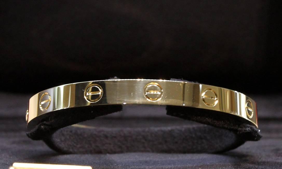 Pulseira LOVE, criadas em Nova York, nos anos 1970, liderou as vendas na Cartier do VillageMall Rafael Moraes