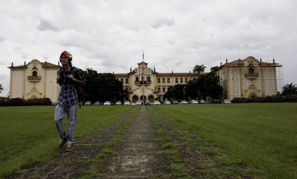 Atualmente, cerca de 12 mil alunos estudam na UFRRJ, em cursos de gradução, mestrado e doutorado Foto: Hudson Pontes / Agência O Globo