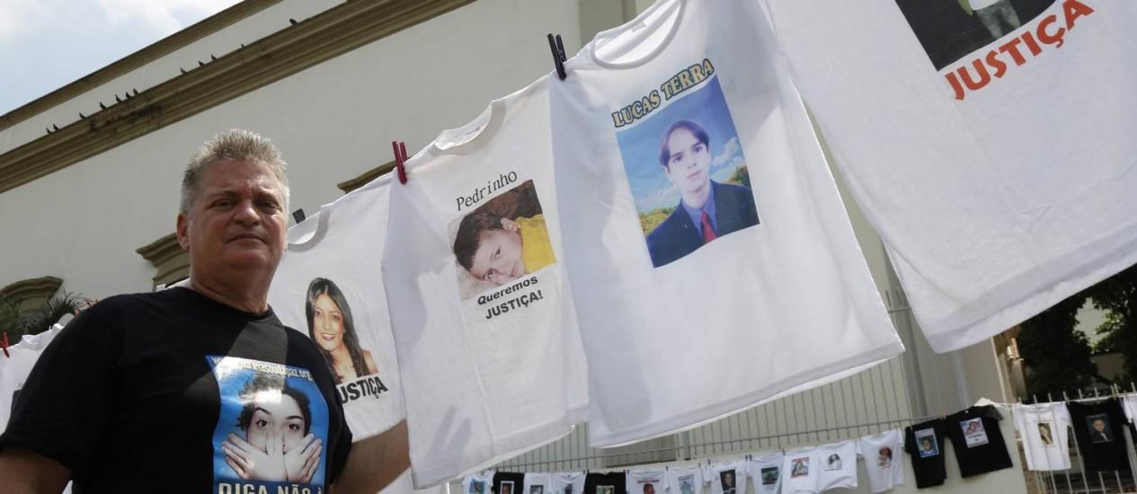 Carlos Santiago, pai de Gabriela Prado e fundador do Movimento Gabriela Sou da Paz, organizou o encontro em homenagem à filha e a outras vítimas. Foto: Mônica Imbuzeiro