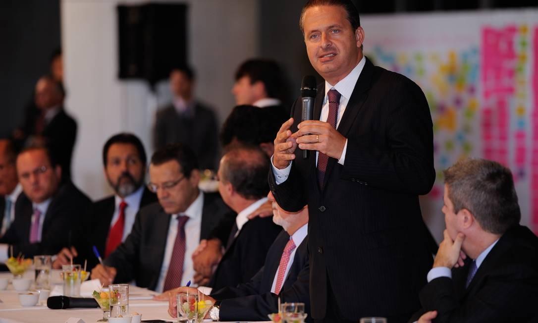 O governador de Pernambuco, Eduardo Campos Foto: Hans Von Manteuffel / Arquivo O Globo