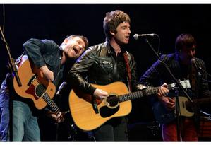 Damon Albarn e Noel Gallagher se apresentam juntos pela 1ª vez Foto: Reprodução