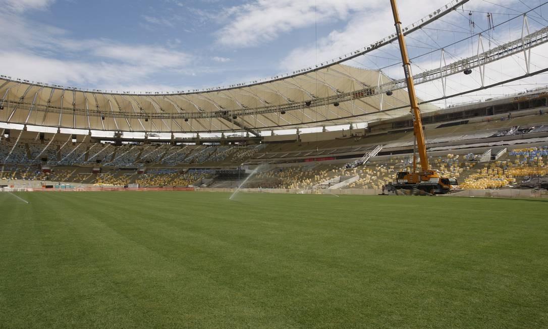 O estádio começa a ficar bonito para a Copa das Confederações Foto: Marcos Tristão / Agência O Globo
