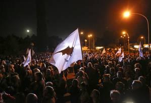Milhares de manifestantes vão, por mais um dia, às ruas da capital Nicósia para protestar Foto: Yannis Behrakis/Reuters