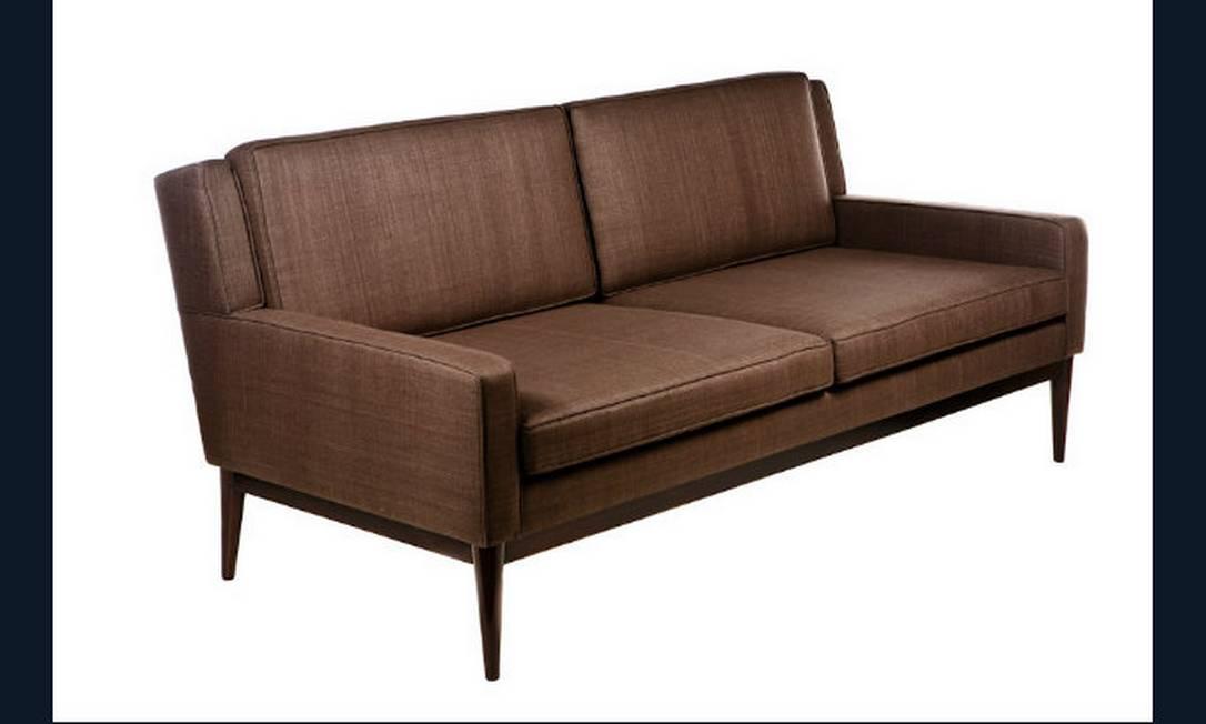 O sofá Vintage, da Empório Beraldin, é forrado com seda e mede 2 metros. Por R$ 9.700 Divulgação