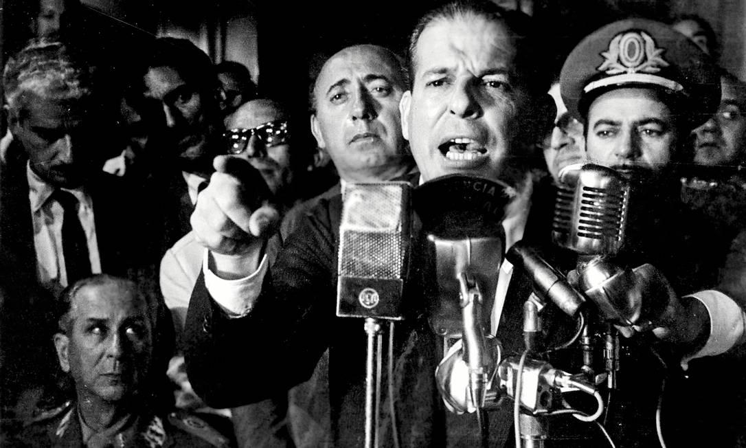 """João Goulart discursa em imagem de """"O dia que durou 21 anos"""", de Camilo Tavares, que entra hoje em cartaz, com foco no envolvimento da Casa Branca e da CIA na instauração do regime militar no Brasil, de 1964 a 1985 Foto: Terceiro / Fotos de divulgação"""
