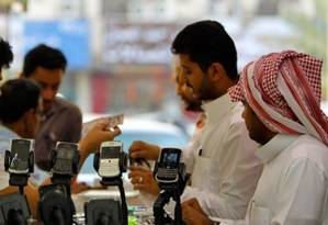 Twitter promove debates que podem ser 'indecorosos' ou 'ilegais', diz governo saudita Foto: AFP