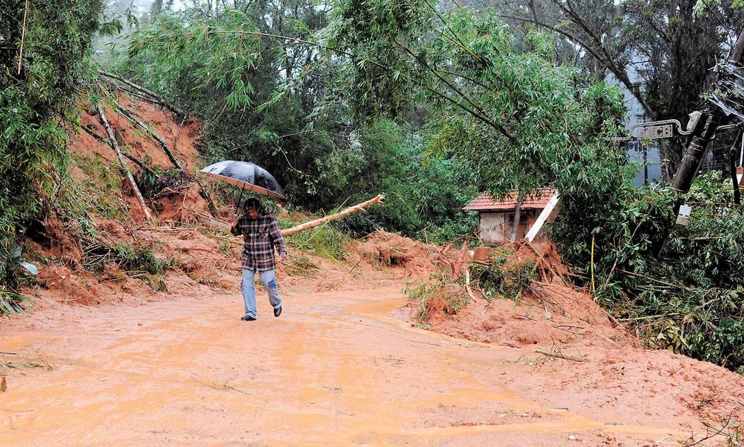Programa desenvolvido pelo Inpe poderá fazer previsões sobre volume das chuvas Foto: VANDERLEI ALMEIDA / AFP