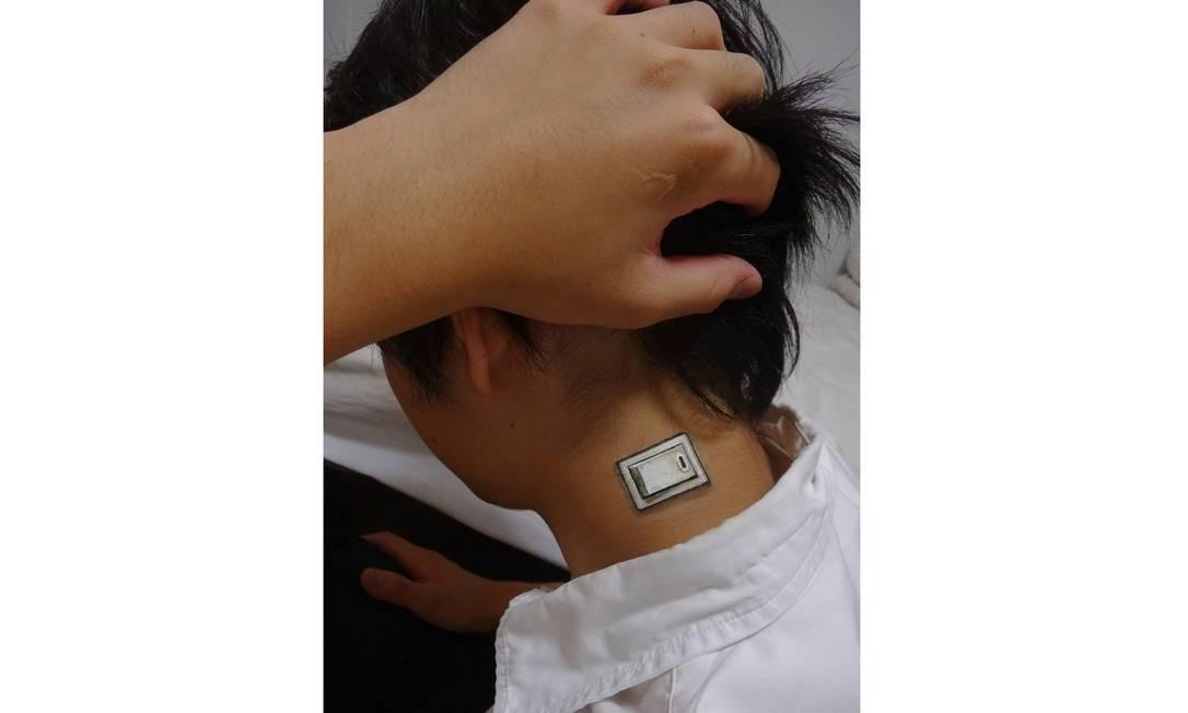 O interruptor brinca com a ideia de humanos parecerem máquinas Foto: Hikaru Cho / Reprodução da internet