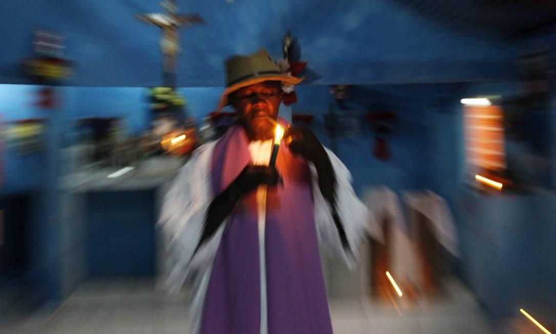 Raimundo Nonato da Silva, o Mestre Café, é o mais novo pai de santo de Codó, no Maranhão Michel Filho / Agência O Globo