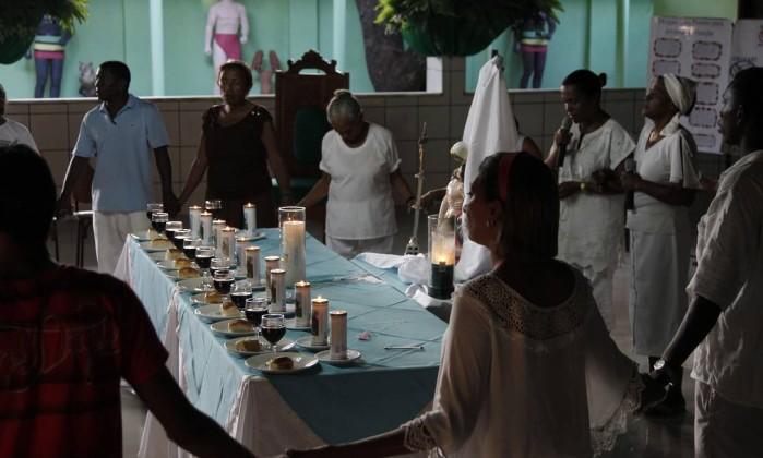 Culto na casa de Wilson Nonato de Sousa, Mestre Bita do Barão, o pai de santo mais famoso do Maranhão Michel Filho / Agência O Globo