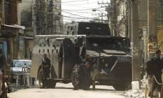 Bope faz operação em favelas do Complexo da Maré Foto: Gabriel de Paiva / Agência O Globo