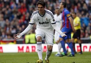 Kaká comemora o gol de pênalti que marcou no 5 a 1 do Real Madrid em cima do Levante Foto: SERGIO PEREZ / REUTERS