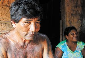 """Cacique Zezé se lembra de quando a mata era """"escura e boa"""" Foto: O Globo / Michel Filho"""
