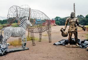 Prefeitura não sabe o que fazer com esculturas compradas por R$ 90 mil Foto: Divulgação