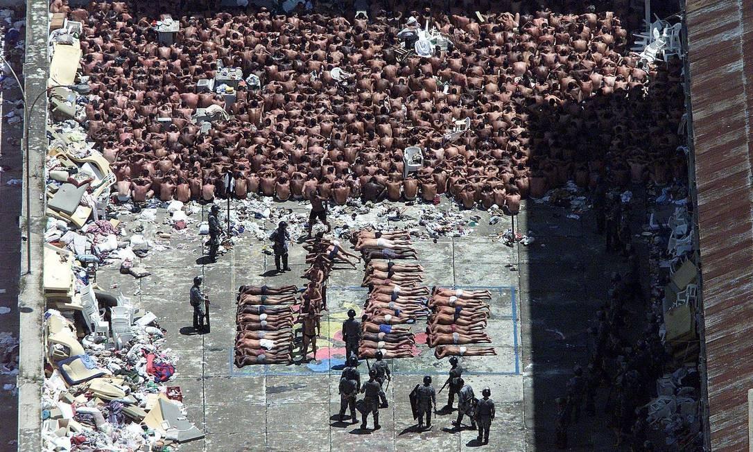 Após a tragédia, o Carandiru teve outras rebeliões. Uma das maiores, aconteceu em fevereiro de 2001 Foto: Arquivo O Globo
