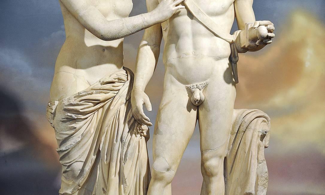 Estátuas romanas representando os deuses Vênus e Marte: padrão de beleza masculino que ainda é considerado atraente pelas mulheres de hoje Foto: ANDREAS SOLARO / AFP/ANDREAS SOLARO