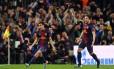 Pedro, do Barcelona, comemora o gol de empate da equipe contra o Paris Saint-Germain, que classificou os espanhóis para a semifinal da Liga