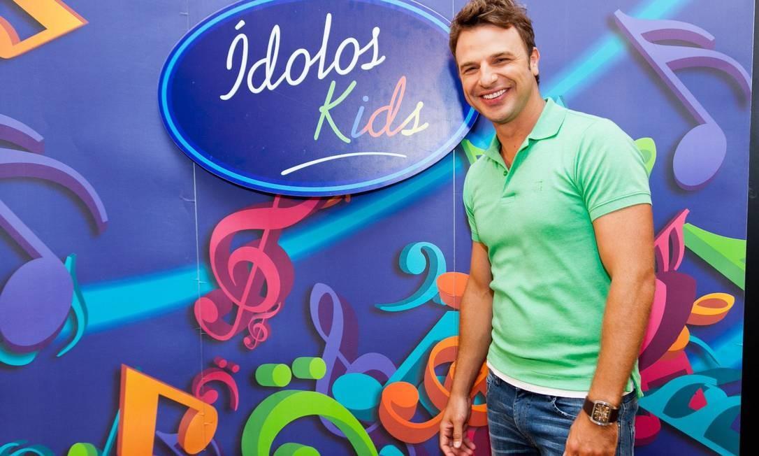 """Cassio Reis comanda segunda temporada do """"Idolos kids"""" Foto: Record/Divulgação"""