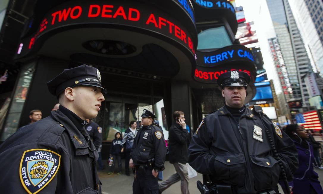 O policiamento também foi reforçado em Nova York após as explosões; na foto, o Times Square Foto: LUCAS JACKSON / REUTERS