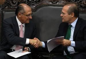 Alckmin participa de encontro com Renan Calheiros Foto: Givaldo Barbosa / Agência O Globo