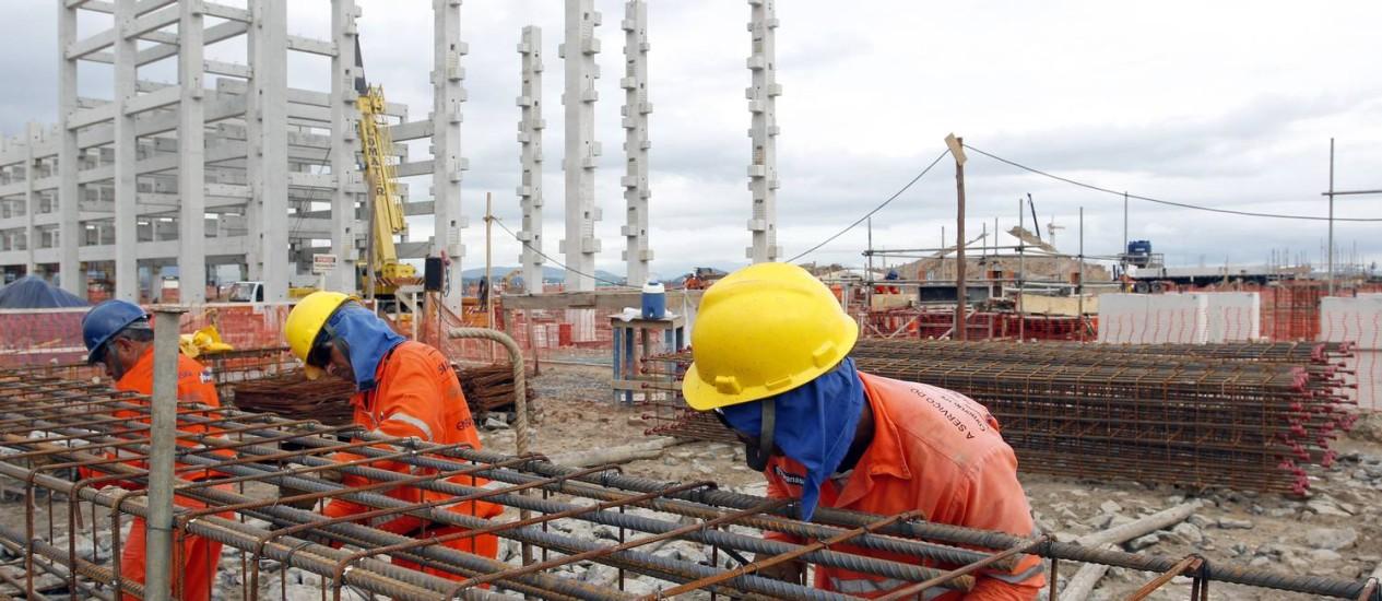 Obras da Petrobras no Complexo Petroquímico do Rio de Janeiro (COMPERJ). Foto de 04/04/2011 Foto: Fabio Rossi / O Globo