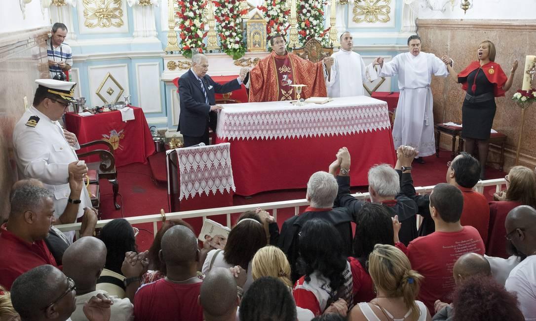 Missa da Alvorada na Igreja de São Jorge Foto: Fernando Quevedo / Agência O Globo