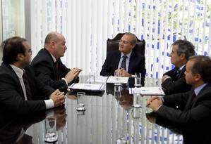 O presidente do Senado Renan Calheiros (PMDB-AL) recebe representantes de associações de magistrados Foto: Ailton de Freitas / Agência O Globo