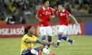 Ronaldinho Gaúcho pouco produziu no primeiro tempo, no amistoso contra o Chile Foto: Cezar Loureiro / Agência O Globo