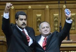 Cabello (à direita) com Maduro no dia da posse presidencial: pressão sobre a oposição Foto: AFP/19-4-2013