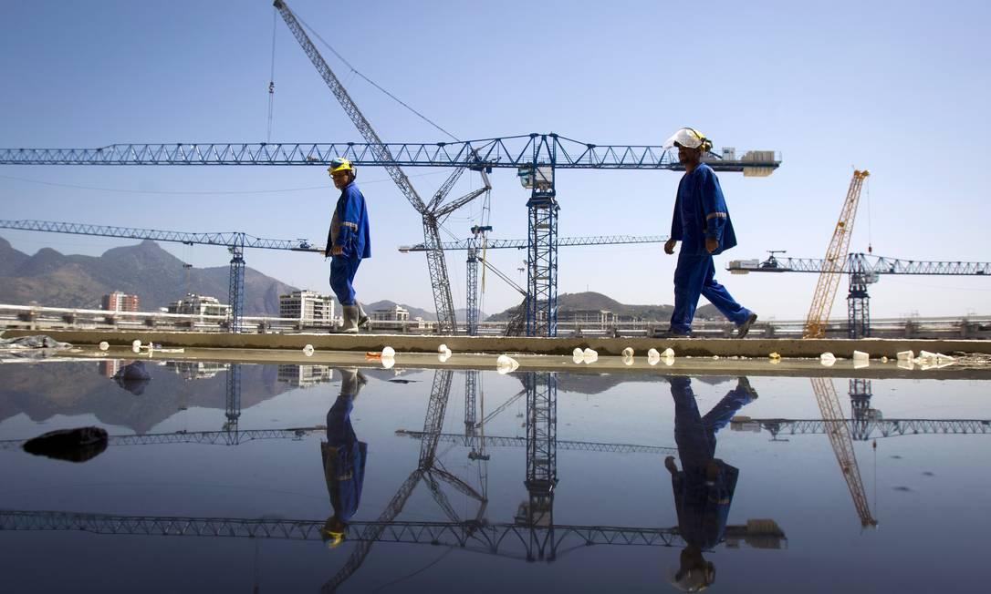 Obras de reforma no estádio do Maracanã. Ivo Gonzalez / Agência O Globo