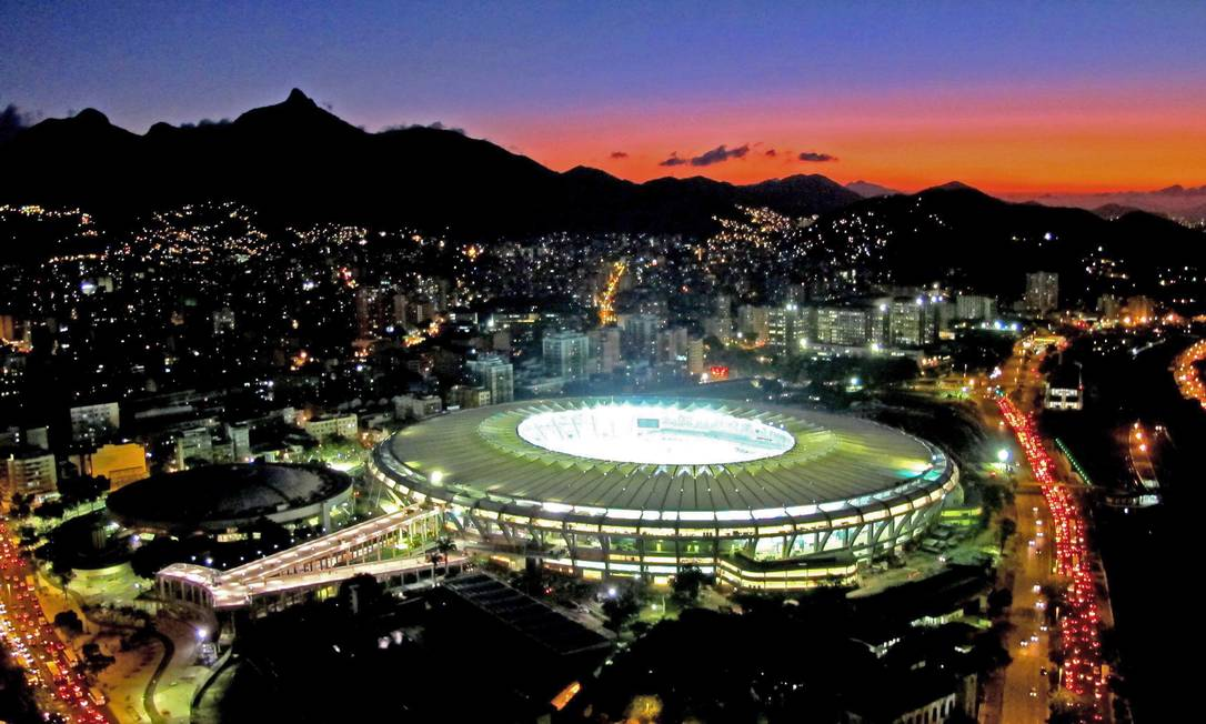 O estádio do Maracanã com a nova iluminação Genilson Araújo / Agência O Globo