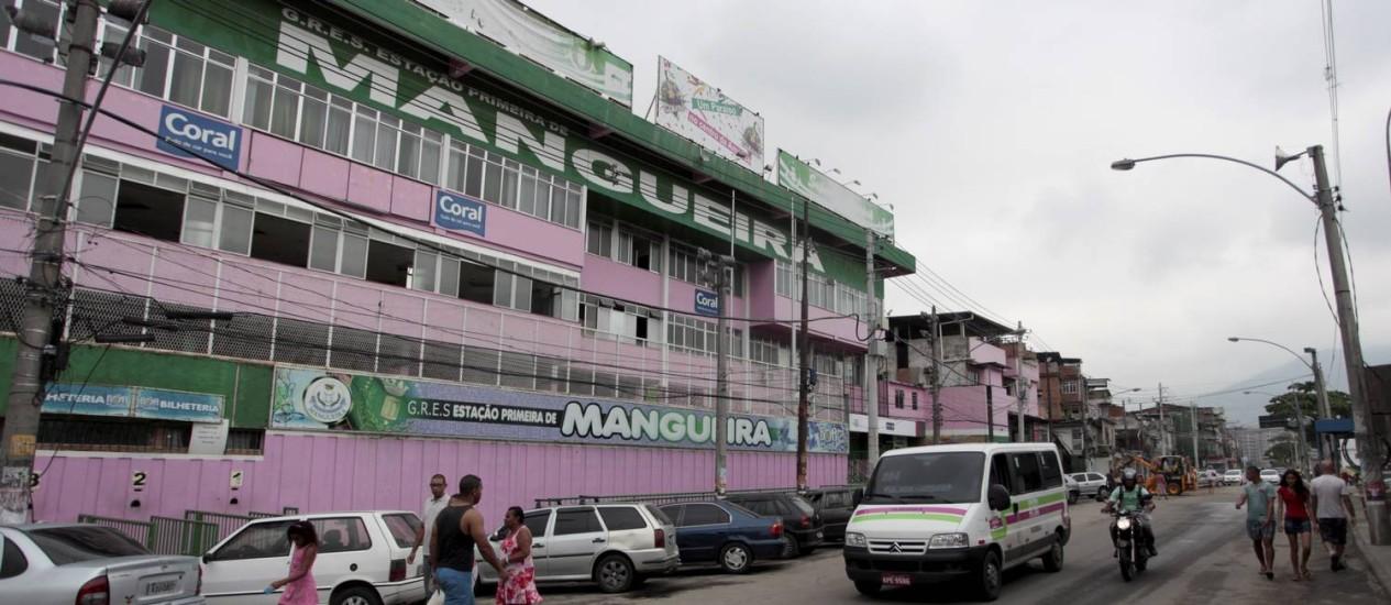 A fachada da sede da Mangueira: quadra da escola está fechada. Foto de 01/04/2013 Foto: Pedro Kirilos / Agência O Globo