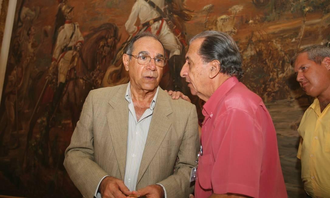 Coronel reformado Carlos Alberto Brilhante Ustra (à esquerda) Foto: Hipólito Pereira / Agência O Globo