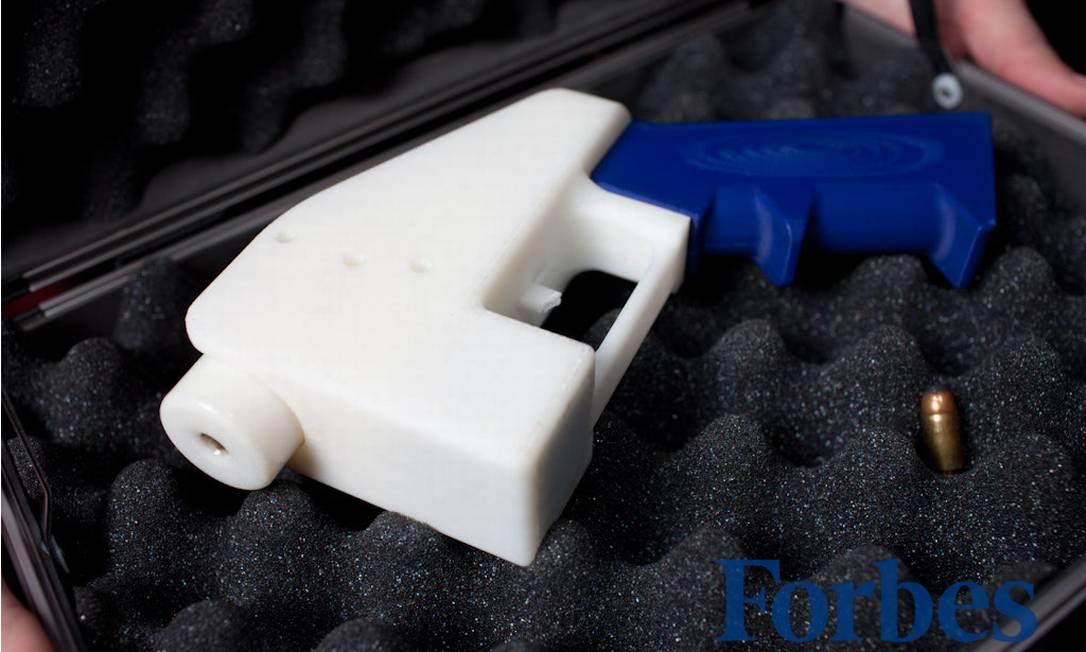 """Protótipo da """"Liberation"""", a primeira pistola imprimível em 3D do mundo Foto: Michael Thad Carter/Forbes"""