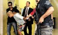 Menor preso pela polícia em São Paulo