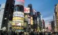 Em Ginza, os letreiros do bairro mais chique de Tóquio