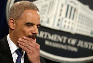 O procurador-gerald os EUA, Eric Holder: pressão para se demitir após a descoberta de que telefones da AP eram monitorados Foto: CHIP SOMODEVILLA / AFP