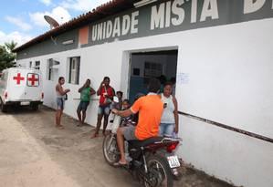 Pacientes aguardam atendimento médico em unidade mista de saúde no Piauí Foto: O Globo / Efrém Ribeiro