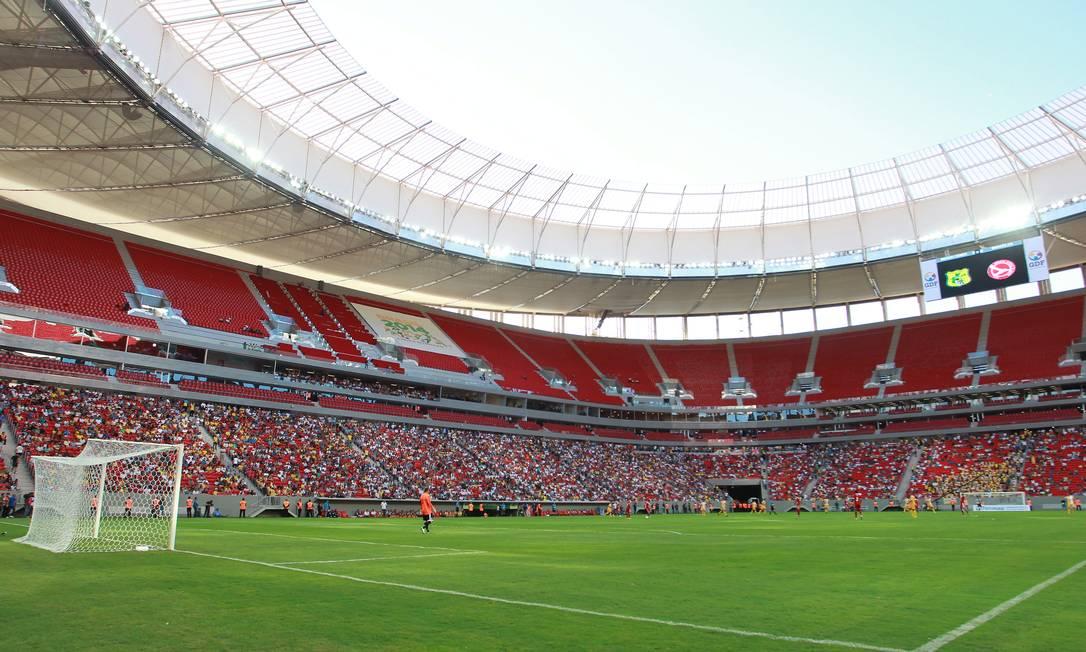 Brasília x Brasiliense, final do Campeonato do Distrito Federal, foi o jogo de inauguração do Estádio Mané Garrincha Ailton de Freitas / Agência O Globo