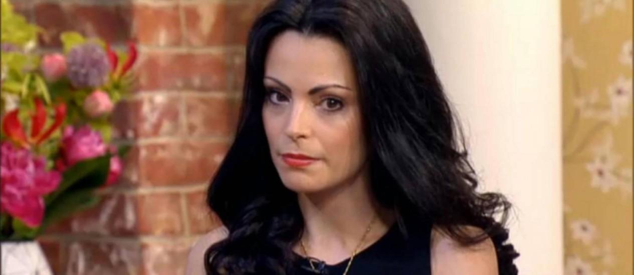 A britânica Laura Fernee diz ter deixado o emprego pro ser bonita demais Foto: Reprodução da internet