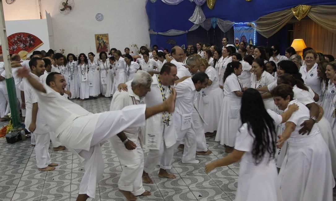 Vizinhos já chamaram a polícia, reclamando do barulho nas celebrações de templo no Cachambi Foto: Marcelo Carnaval / O Globo