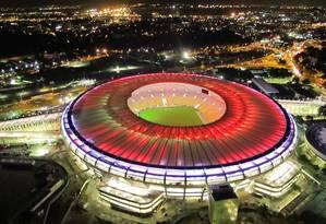 Maracanã: teste de luz três noites antes da reinauguração Foto: Genilson Araujo / Agência O Globo