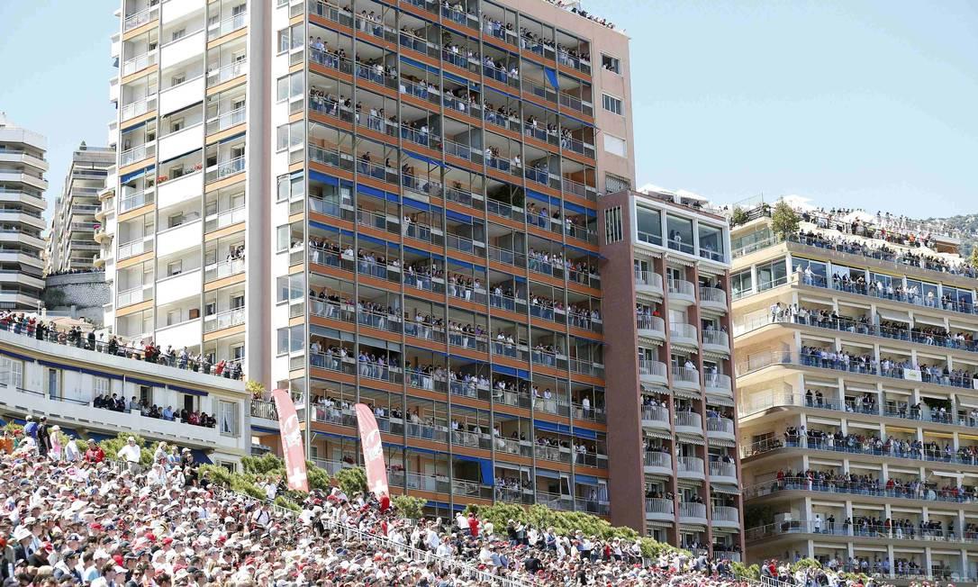 Público marca presença na prova mais tradicional da F1. STEFANO RELLANDINI / REUTERS
