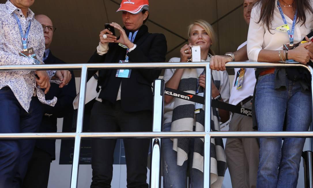 O lounge vip McLaren contou com a presença da atriz Cameron Dias. Luca Bruno / AP