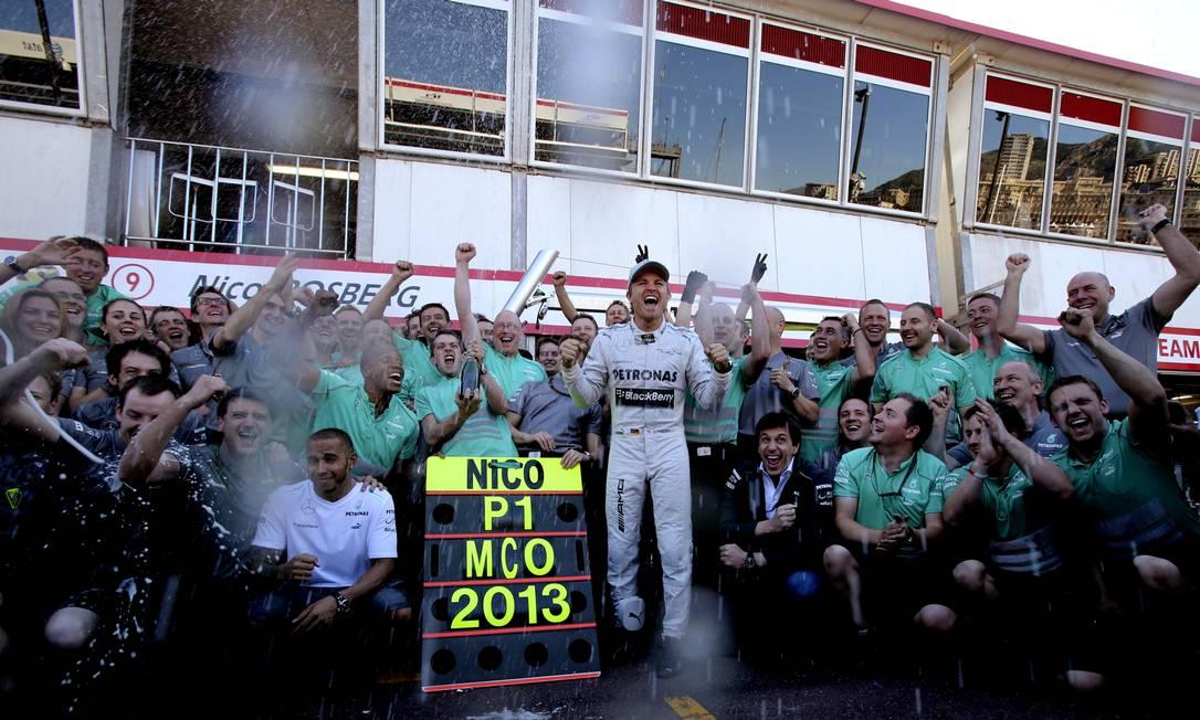 Nico Rosberg repete o feito de seu pai Keke Rosberg 30 anos depois. Antonio Calanni / AP